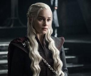 """Daenerys Targaryen, de """"Game of Thrones"""": série foi poupada por novo ataque hacker à HBO"""