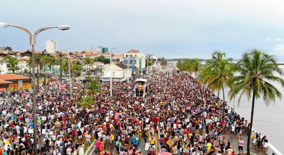 Milhares de pessoas curtem a folia pré-carnavalesca na Avenida Beira-Mar em São Luís (MA) — Foto: Divulgação/Governo do Maranhão