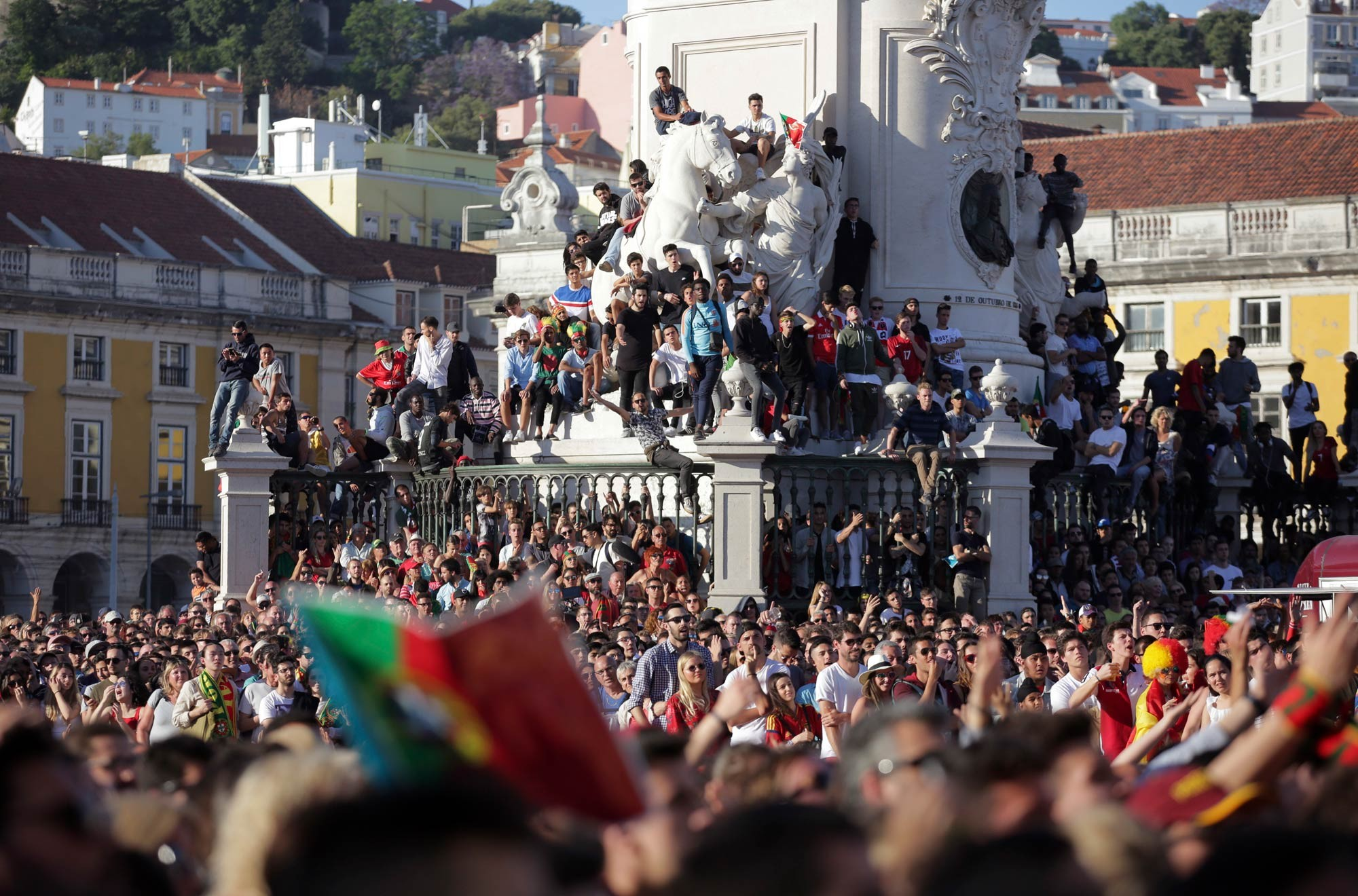 Por que os 'vistos dourados', muito visados por brasileiros, viraram centro de polêmica em Portugal