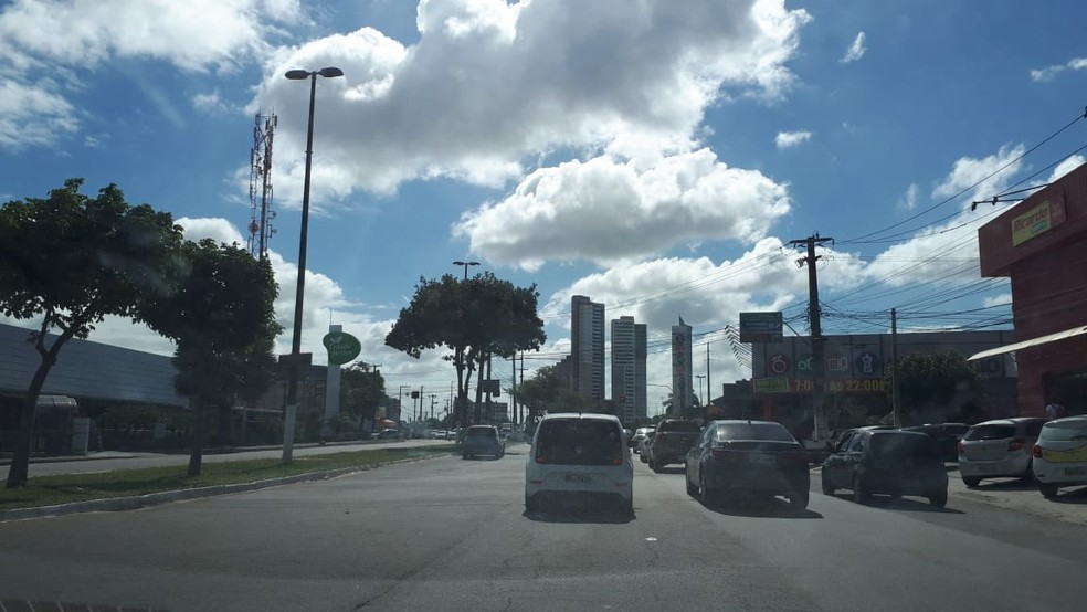 Avenida Roberto Freire, na Zona Sul de Natal — Foto: Fernanda Zauli/G1