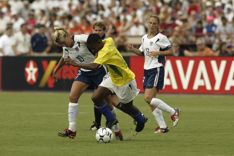 Formiga em ação pela seleção brasileira em 2003 (Foto: Foto: Getty Images)