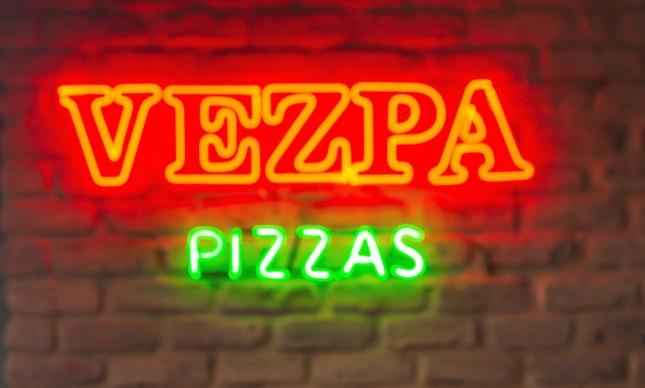 Pizzaria Vezpa: arrecadação de donativos