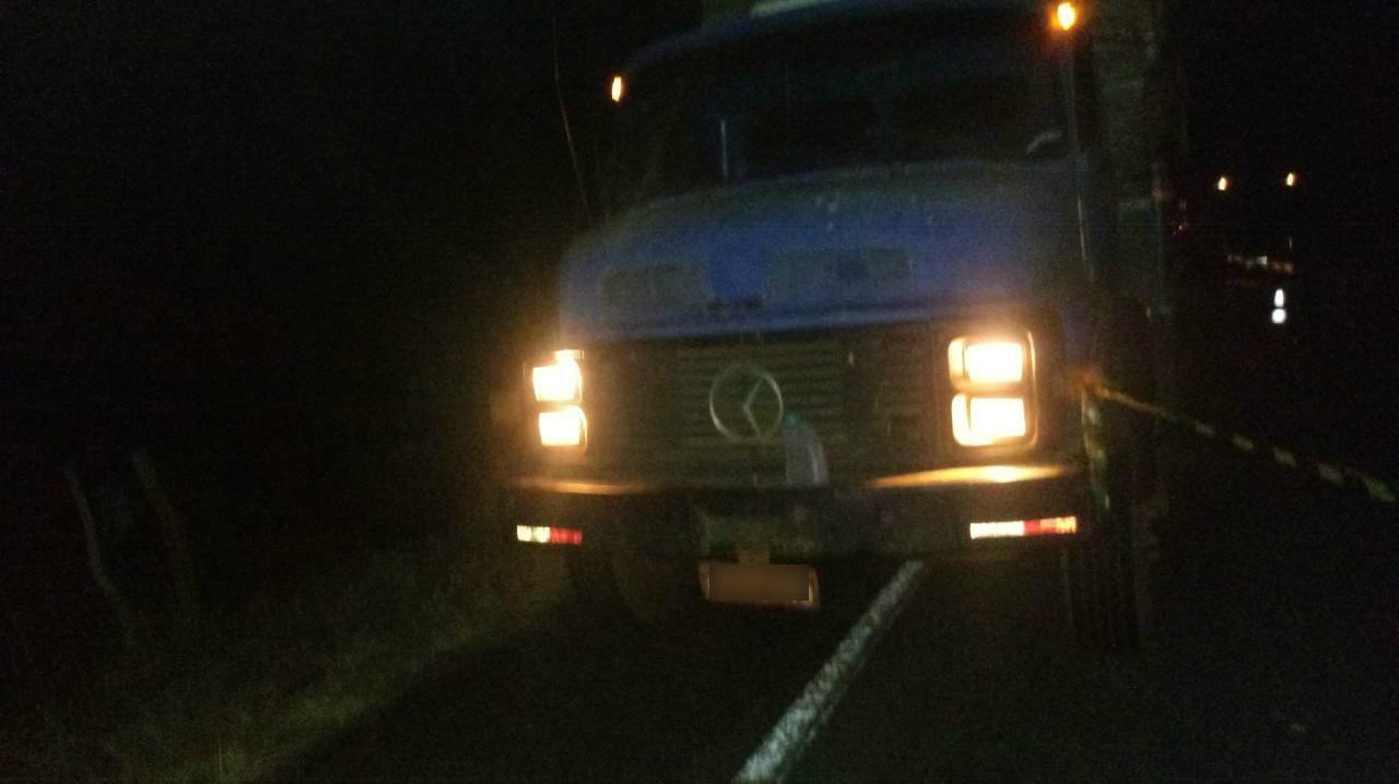Motociclista morre ao bater na traseira de caminhão na TO-080 - Notícias - Plantão Diário