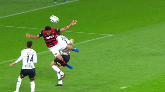 Pelo Sport, Eduardo vê evolução e lamenta falha crucial no segundo gol