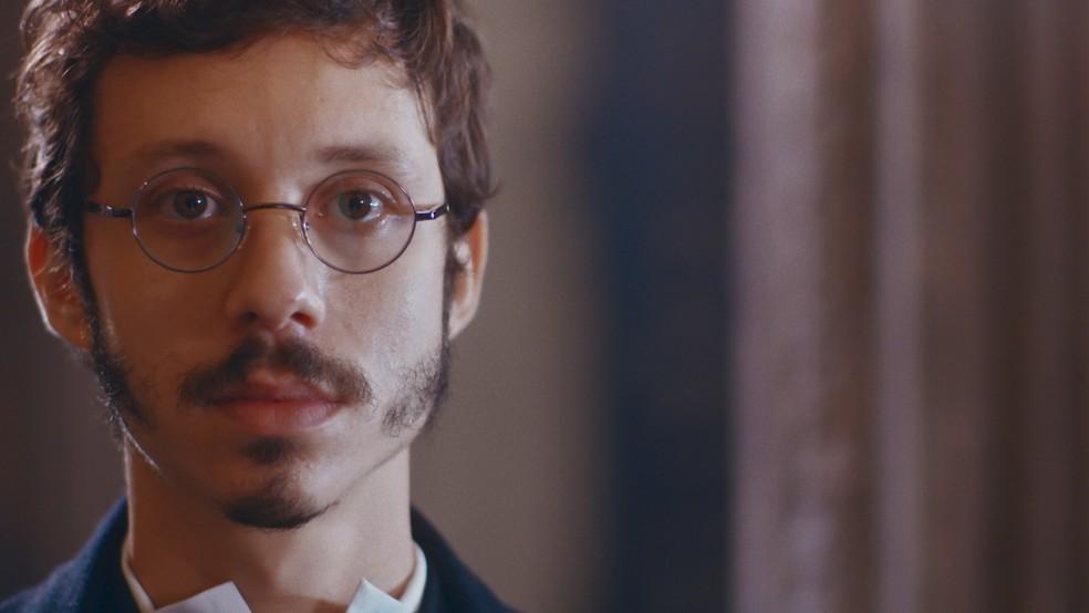 Nélio (João Pedro Zappa) ficará hipnotizado ao ver Dolores (Daphne Bozaski) de noiva em 'Nos Tempos do Imperador' — Foto: Globo
