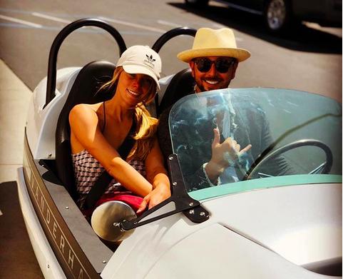 A atriz Ashley Greene curtindo sua lua de mel no Havaí (Foto: Instagram)