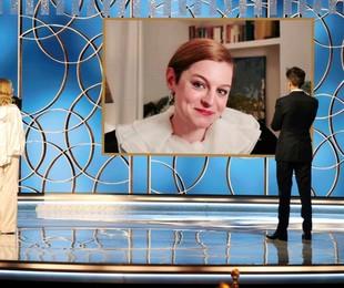 A atriz Emma Corrin recebe Globo de Ouro de melhor atriz por 'The crown' | NBCUniversal/AFP
