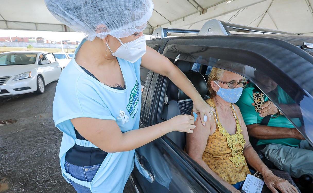 Covid-19: Vacina segue apenas para idosos e pessoas com comorbidades a partir de 45 anos em Camaçari; veja