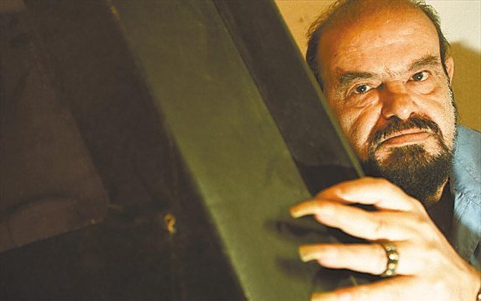 Zé do Caixão em retrato de 2002 — Foto: Luciana Cavalcanti /Folhapress