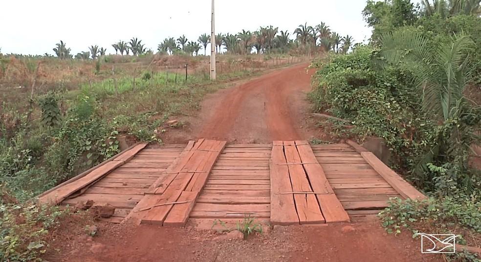 Falta de infraestrutura em pontes preocupa moradores em Codó  — Foto: Reprodução/TV Mirante