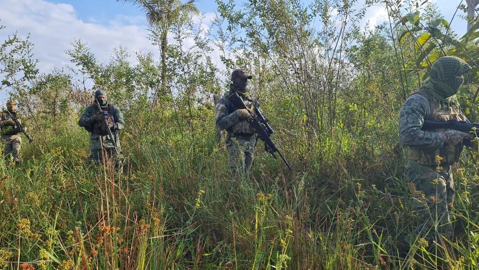 Uma força-tarefa composta por cerca de 120 policiais continua as buscas pelos assaltantes que atacaram duas agências bancárias no dia 4 de junho, em Nova Bandeirantes — Foto: Divulgação