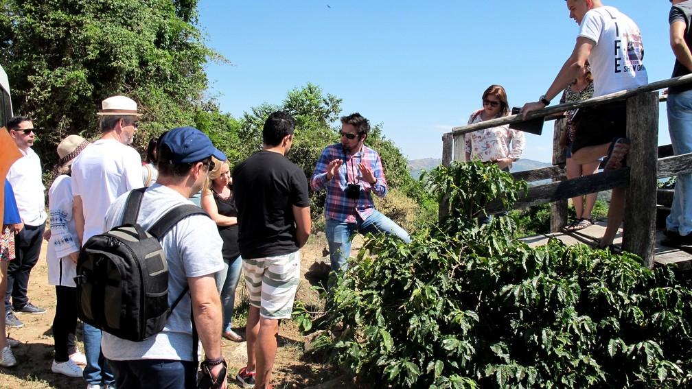 Turistas participam de rota do café no Sul de MG (Foto: Divulgação/Rota do Café)