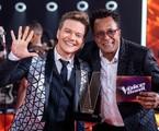 Michel Teló posa com o vencedor do 'The voice Brasil' Tony Gordon | Reprodução