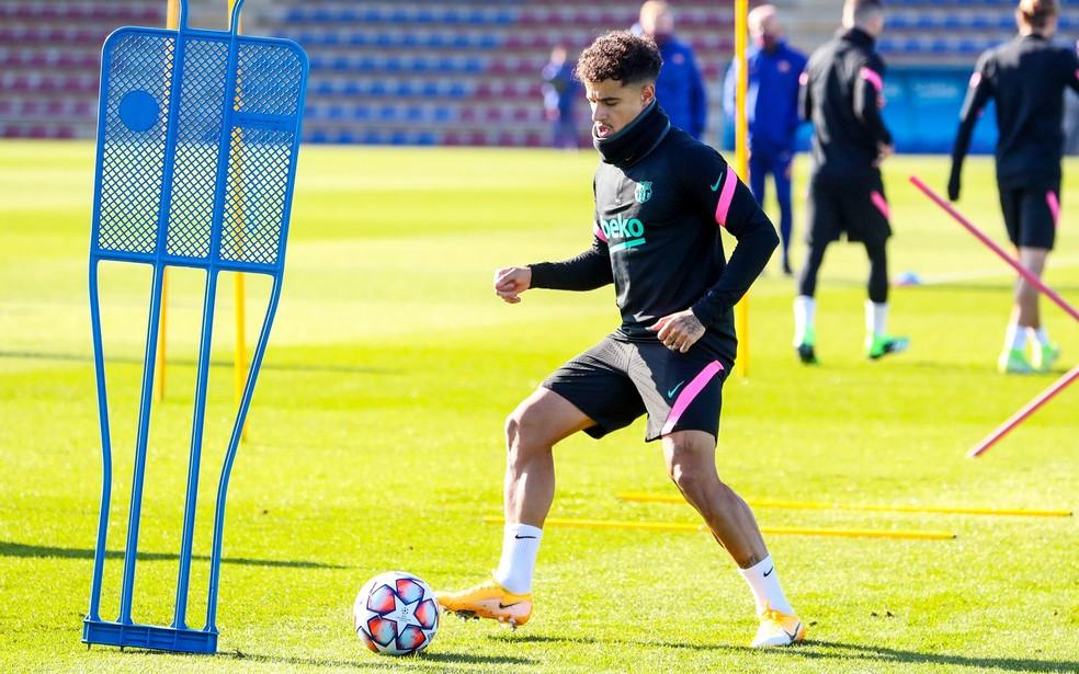 Philippe Coutinho em treino do Barcelona na segunda-feira: brasileiro provavelmente será titular — Foto: Reprodução / Facebook