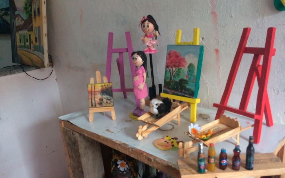 Artesanato feito por Nadinho, morto em ação da PM em Candeias (Foto: Juliana Almirante/G1)