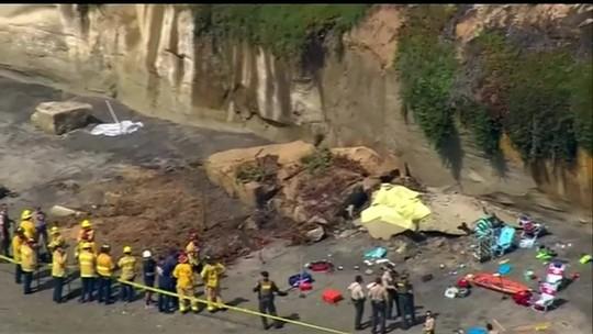 Queda de encosta mata três pessoas em praia da Califórnia, nos EUA