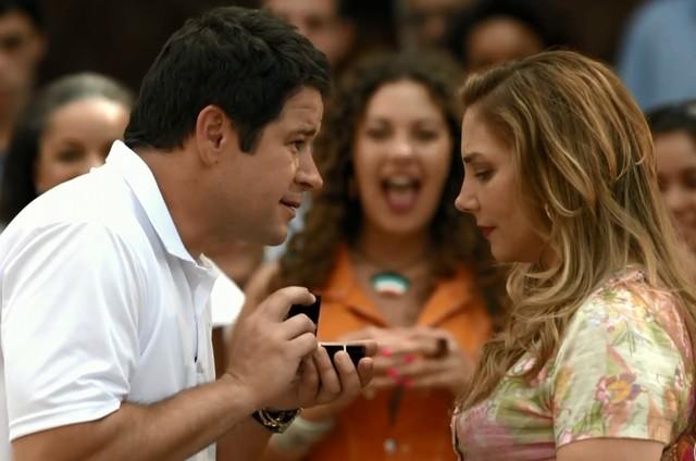Cena do primeiro capítulo de 'Avenida Brasil' (Foto: Reprodução)