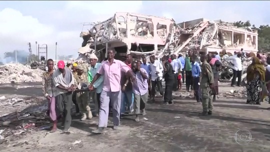Passa de 300 o número de mortos no pior ataque terrorista da Somália
