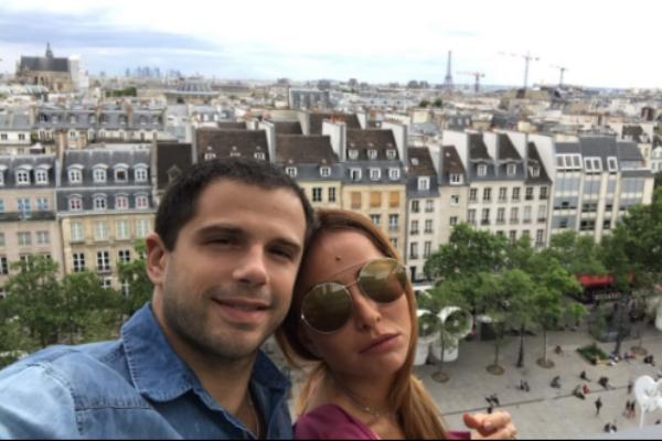 Sabrina Sato e Duda Nagle fazem foto no museu Georges Pompidou (Foto: Reprodução/Instagram)