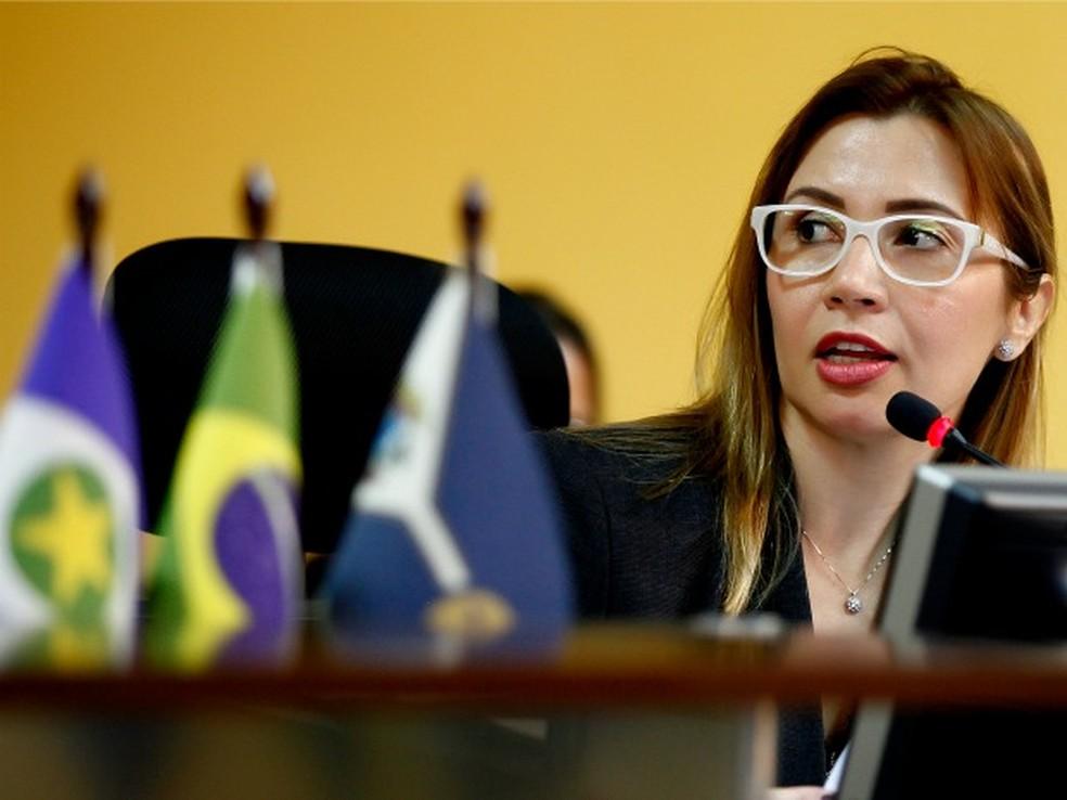 Relatora do processo é a conselheira interina Jaqueline Jacobsen (Foto: Marcos Bergamasco-Agência Phocus / TCE)