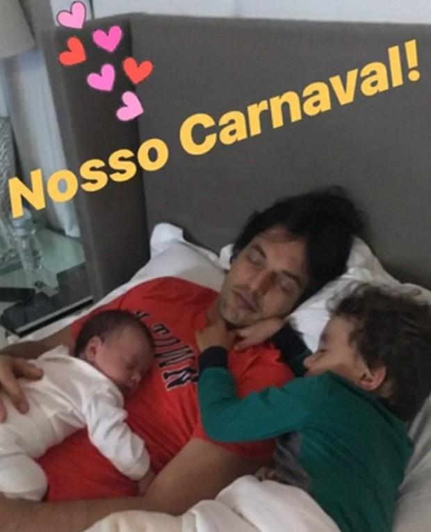 Fábio Faria com os filhos (Foto: Reprodução/Instagram)