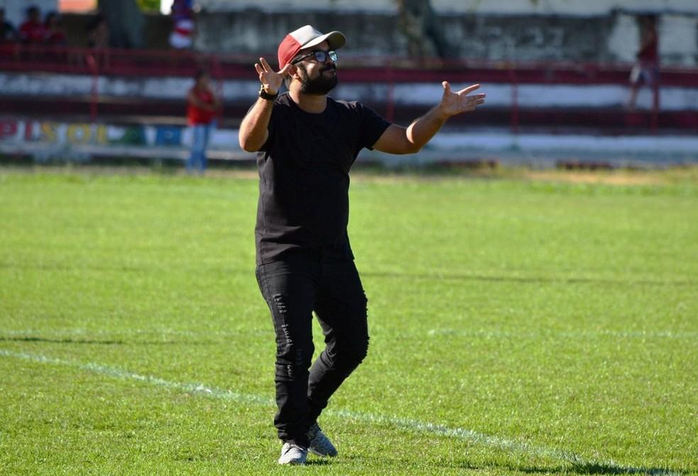 Resultado de imagem para Tapajós confirma Caio Simões como técnico para temporada 2020