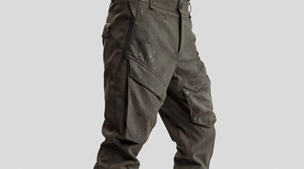 Tecido da calça é feita numa fábrica de matéria-prima para foguetes (Foto: Divulgação)