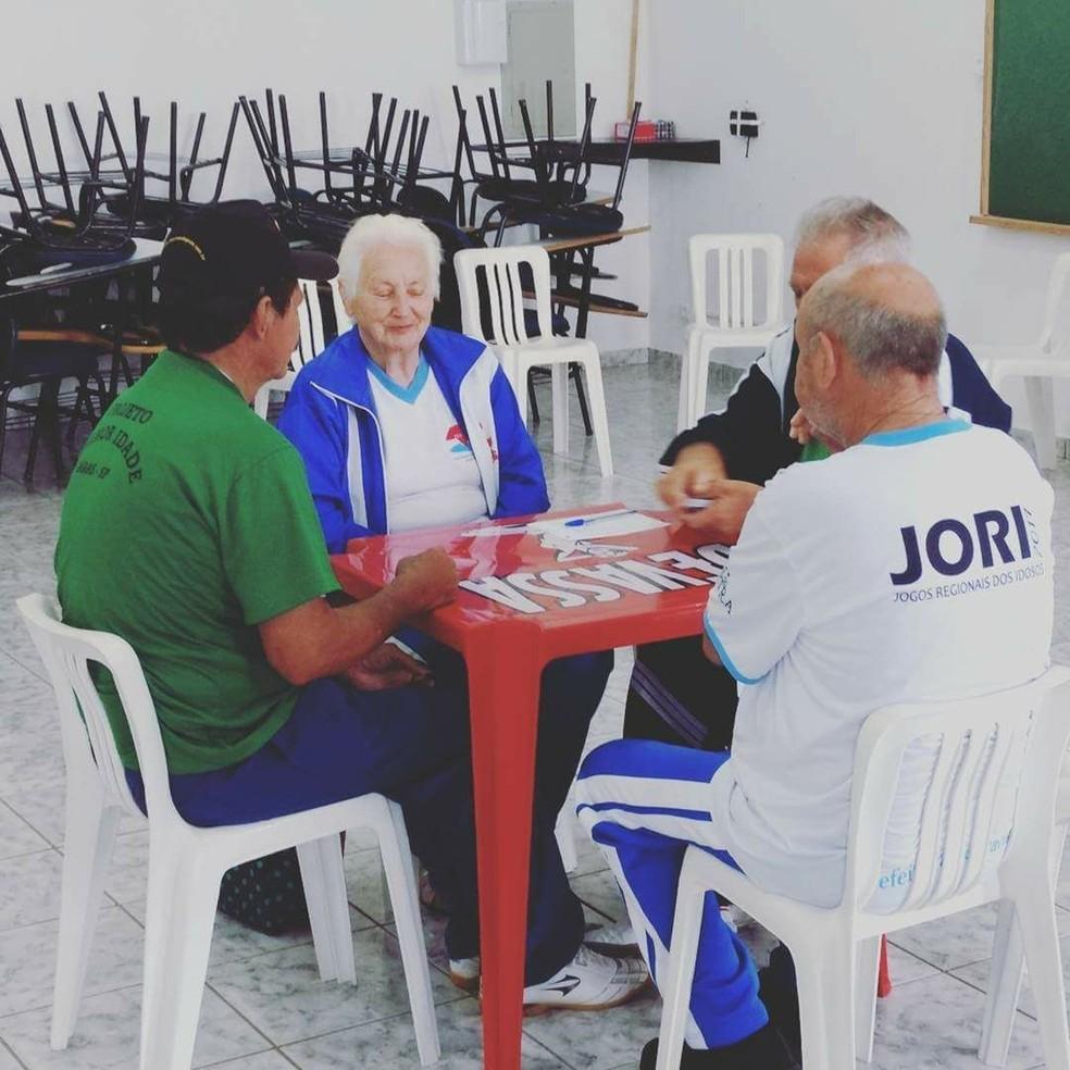 Aposentada conta que jogou contra 45 cidades da região de Itapeva (Foto: Arquivo Pessoal/Teresa Weiss)