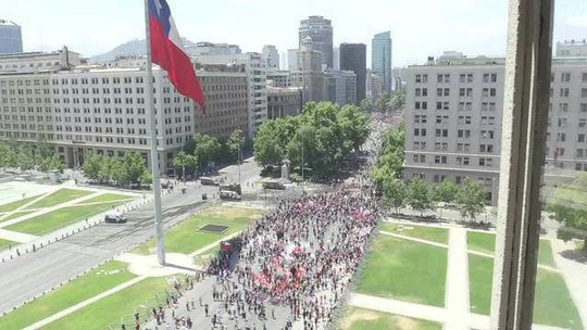 Manifestantes fazem greve geral
