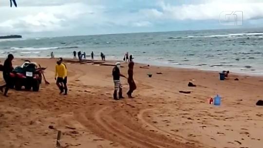 VÍDEO: Manchas de óleo atingem piscinas naturais de Taipu de Fora, no sul da Bahia