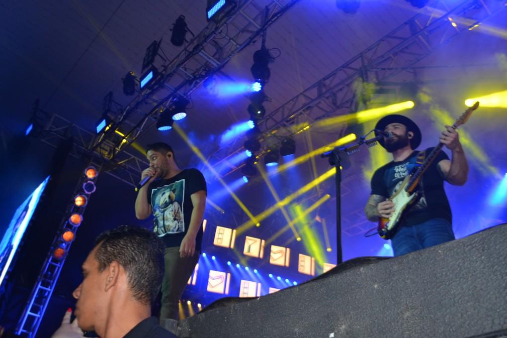 Dupla goiana faz show em Porto Velho (Foto: Andreia Gonzalez / G1)