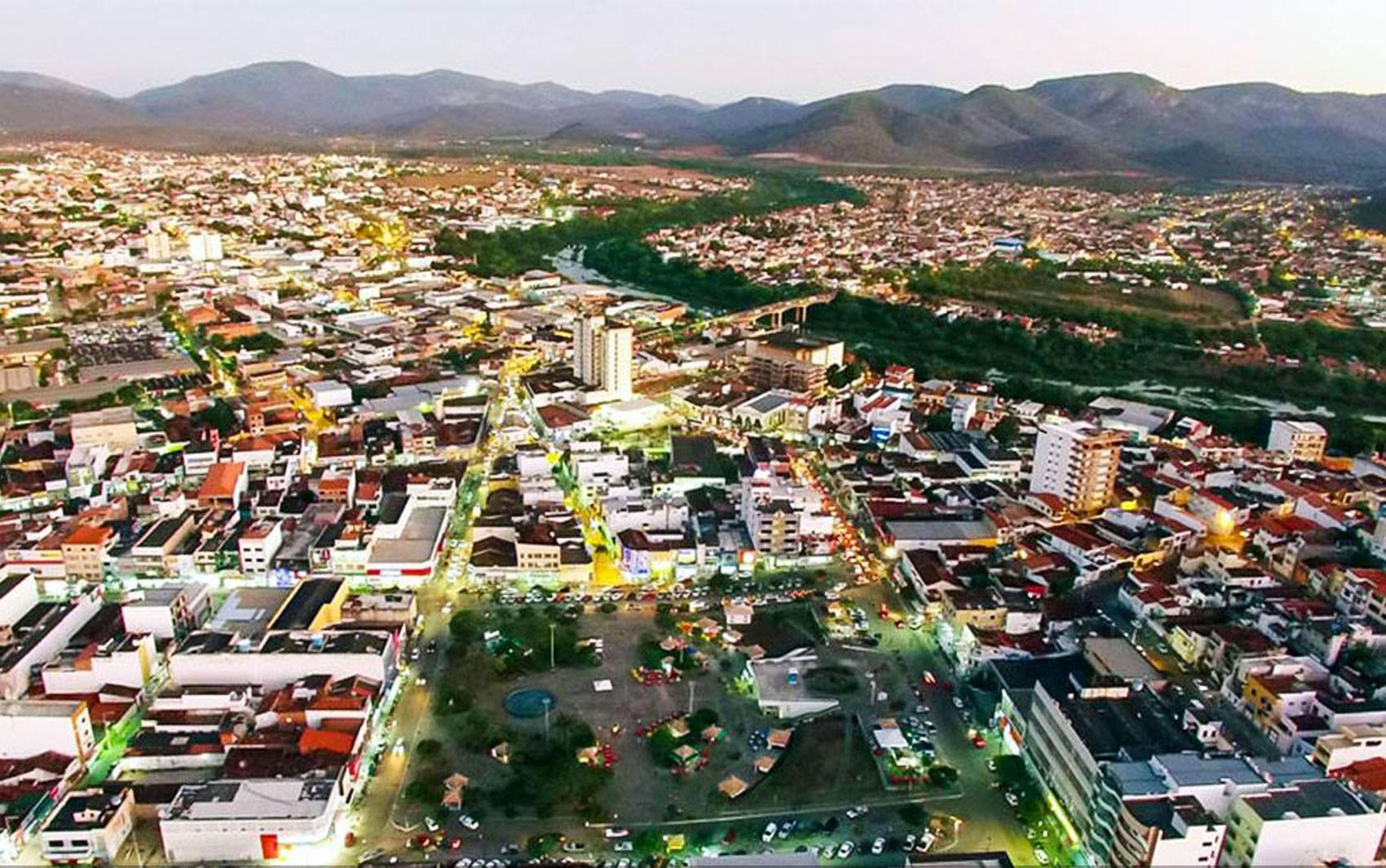 Com toque de recolher, prefeitura de Jequié flexibiliza comércio na cidade; templos e salões poderão funcionar