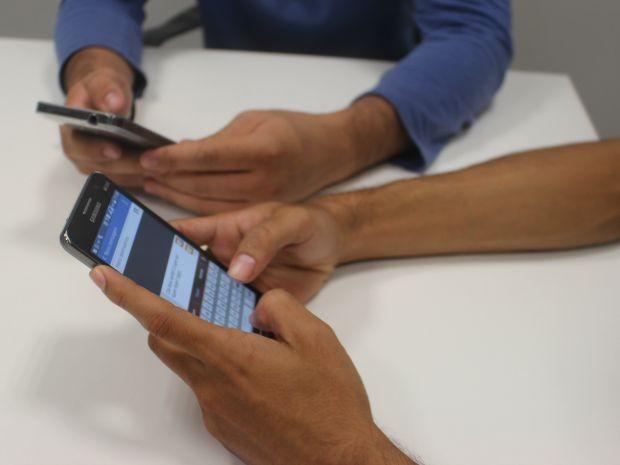 Número de domicílios com telefonia fixa e internet cai no AP; uso de celular sobe 0,1% - Notícias - Plantão Diário