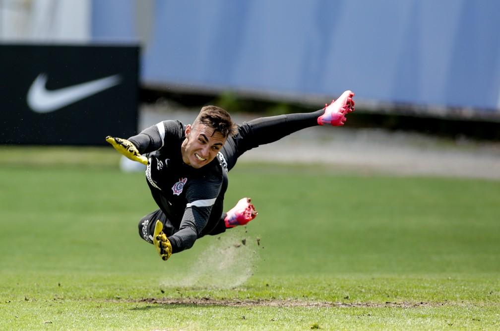 Provável substituto de Cássio, Matheus Donelli será o goleiro mais jovem na Série A em 2021