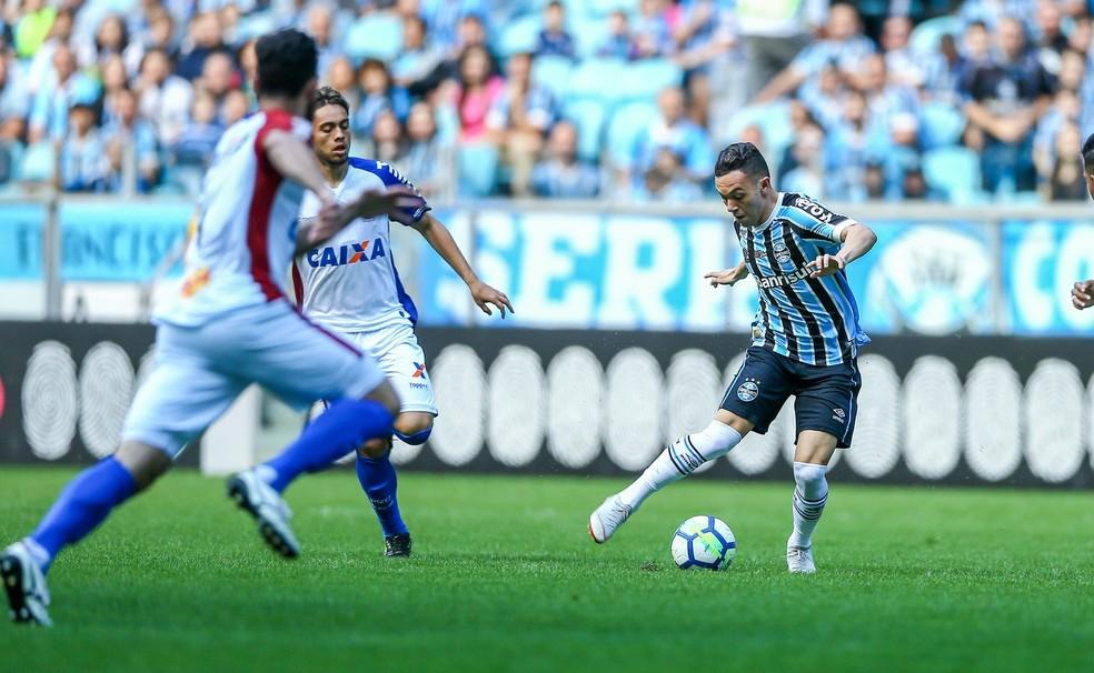 Pepê em ação com a camisa do Grêmio contra o Paraná — Foto: Lucas Uebel/DVG/Grêmio