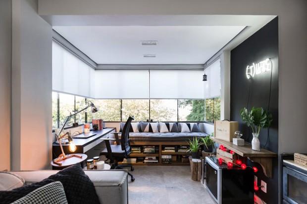 Apartamento de cobertura ganha espaço para discos de vinil (Foto: ©Marcelo Donadussi)