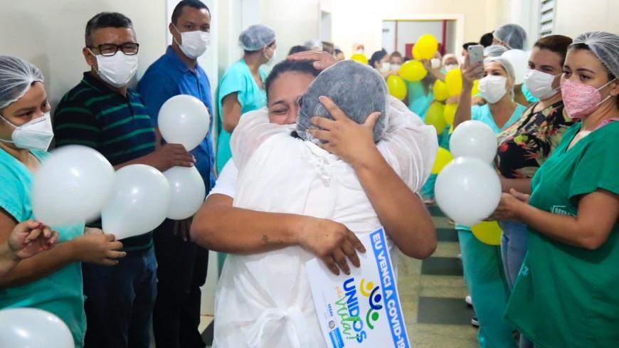 Primeira paciente transferida de MS para Rondônia com Covid-19 recebe alta