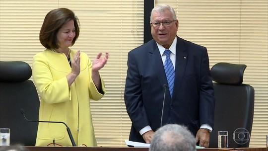 Sub-procurador Alcides Martins toma posse como novo procurador-geral da República