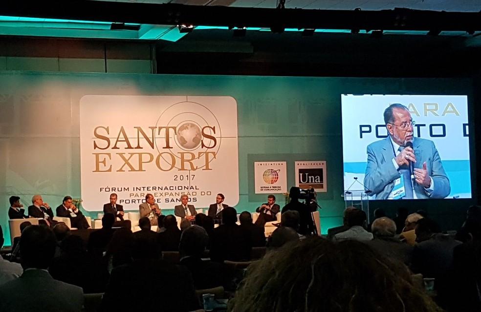 Presidente da Codesp participou de debate durante o Santos Export (Foto: Mariane Rossi/G1)