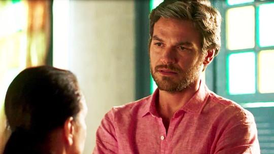 Beto se choca ao ouvir de Madalena que Laureta matou Januária