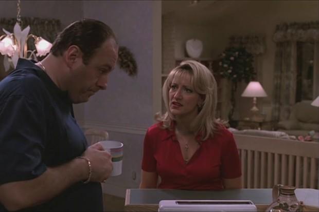 Tony Soprano (James Gandolfini) e Carmella (Eddie Falco) em Família Soprano (Foto: reprodução)