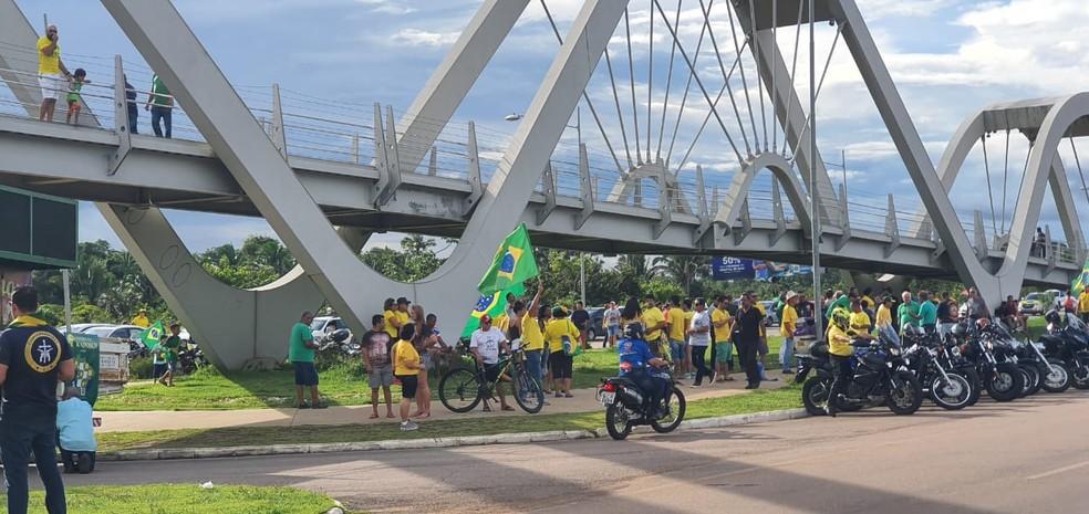 Mannifestação em Porto Velho a favor do governo — Foto: Foto: Cássia Firmino/Rede Amazônica