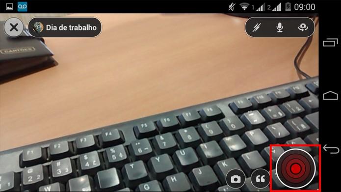 Use o botão vermelho para iniciar o streaming no Livestream (Foto: Reprodução/ Marcela Vaz)