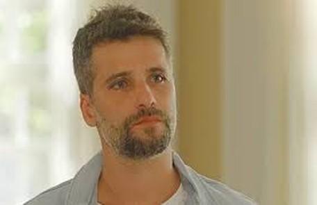 Na quarta-feira (15), Gabriel (Bruno Gagliasso) descobrirá que Feijão é o seu sucessor na Irmandade TV Globo