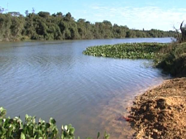 Captação de água do Rio Pará é limitada em cidades do Centro-Oeste de MG - Notícias - Plantão Diário