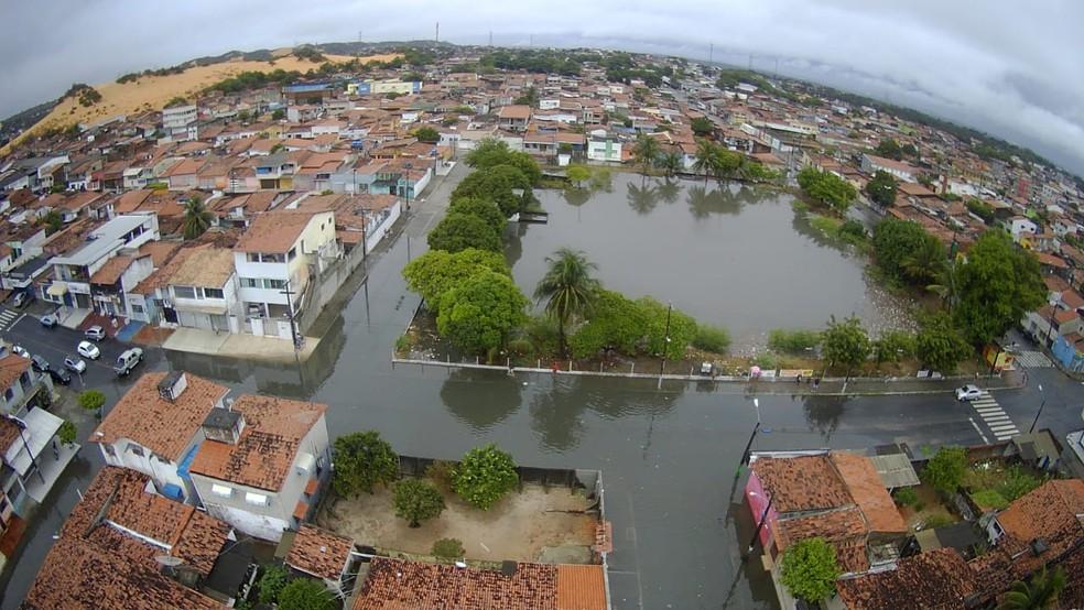 Imagem aérea mostra ruas que ficam próximas a lagoa de captação, em Cidade da Esperança, totalmente alagadas — Foto: Divulgação/Redes Sociais