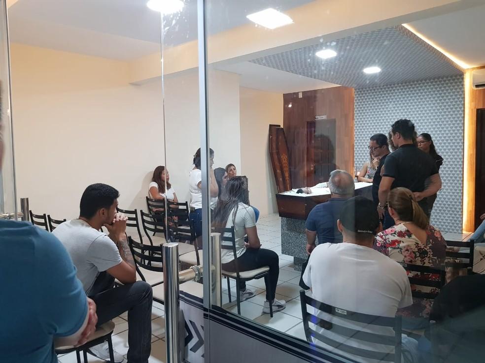 Corpo de Anderson Onofre é velado em Fortaleza — Foto: Ricardo Mota/Sistema Verdes Mares