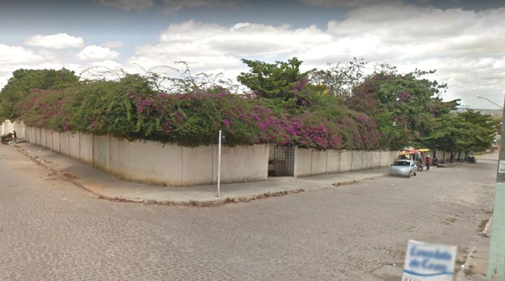Escola Estadual Elisa Coelho em Garanhuns — Foto: Portal Agreste Violento/Reprodução