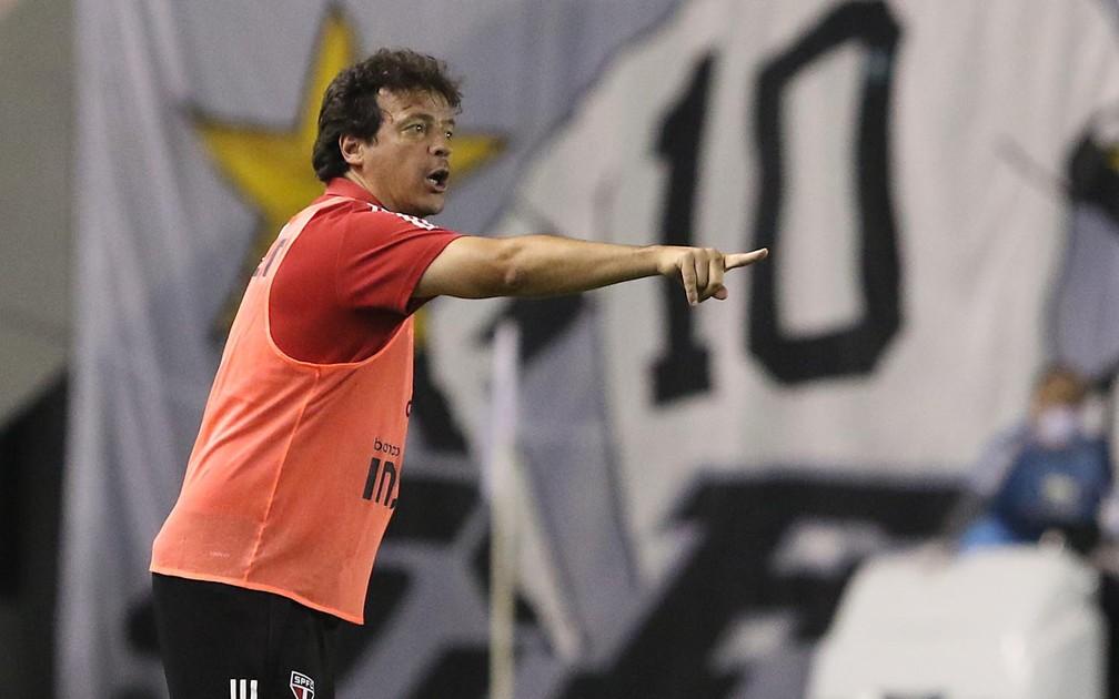 Fernando Diniz manteve Gabriel Sara no time titular: garoto foi decisivo no San-São — Foto: Rubens Chiri / saopaulofc.net