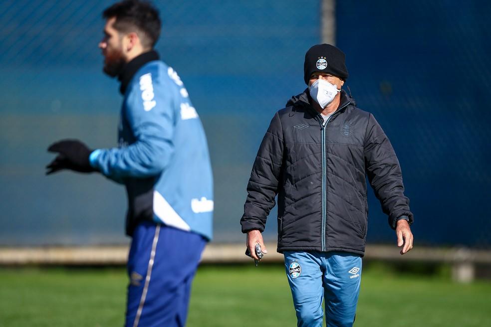 Márcio Meira comanda treino — Foto: Lucas Uebel / Grêmio FBPA